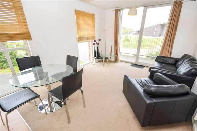 2 Bedrooms Apartment Flat for sale in 3 Stillwater Drive, Sports City, Manchester, M11
