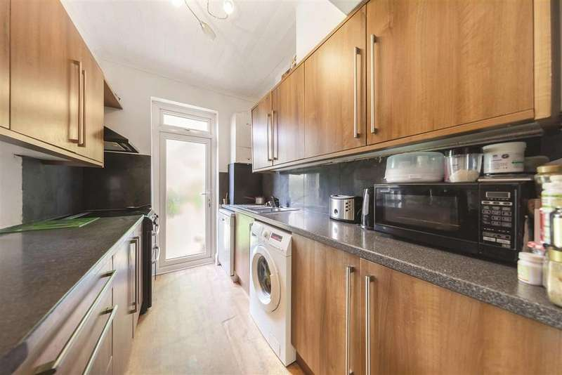 3 Bedrooms Terraced House for sale in Glenister Park Road, SW16