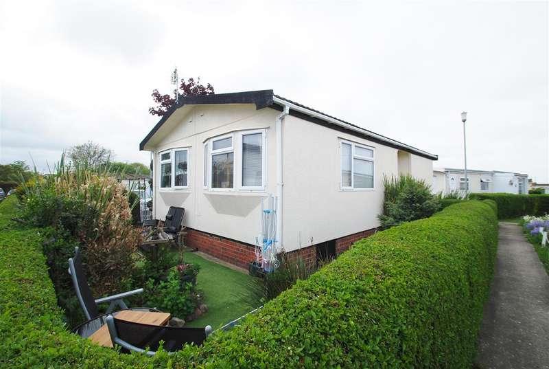 1 Bedroom Bungalow for sale in Beech Crescent, Whitehaven Park, Sea Lane, Ingoldmells