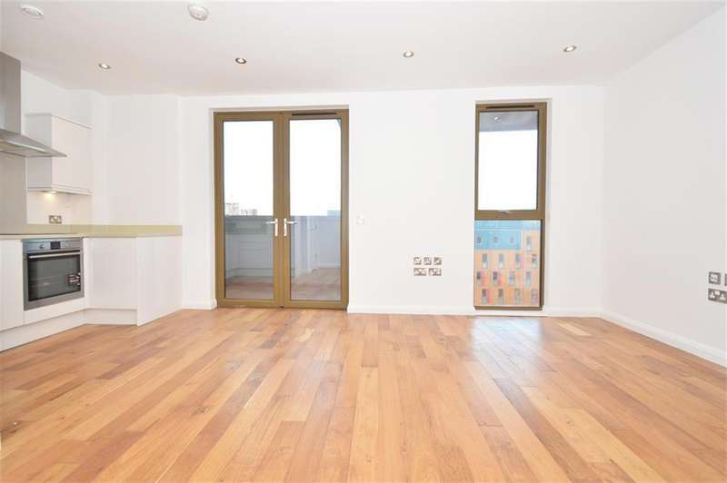 3 Bedrooms Penthouse Flat for sale in Crondal Street, Shoreditch, N1