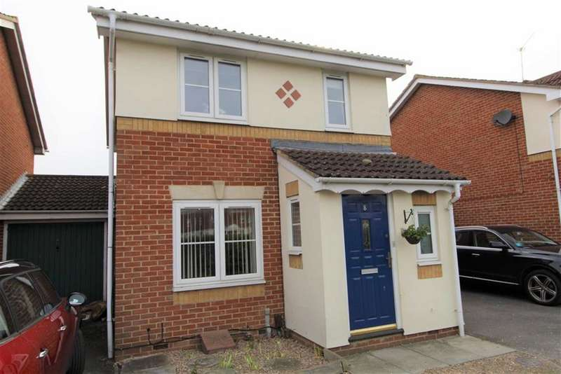 3 Bedrooms Link Detached House for sale in Nicholas Gardens, Slough, Berkshire