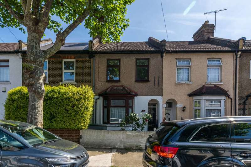 3 Bedrooms House for rent in Bath Road, East Ham, E7