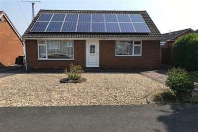 2 Bedrooms Bungalow for rent in Cotswold Drive, Grassmoor, Chesterfield