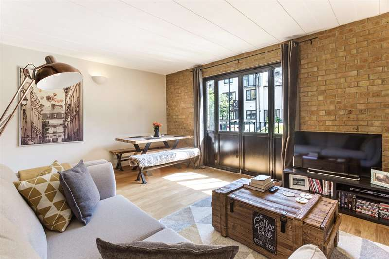 2 Bedrooms Flat for sale in Port House, 5 Burrells Wharf Square, London, E14