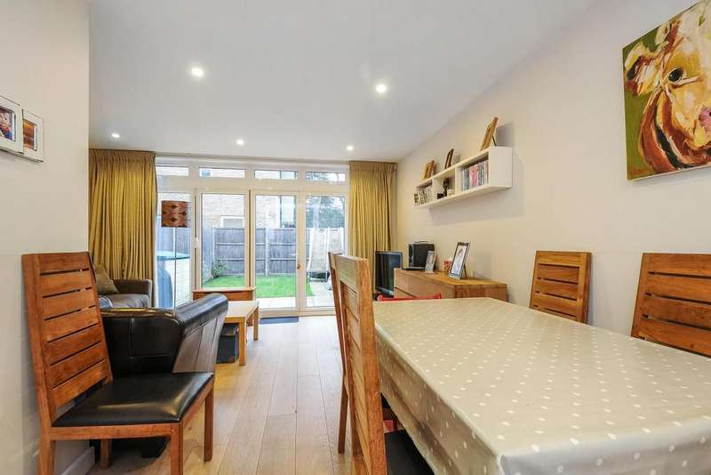 4 Bedrooms Semi Detached House for sale in Archway Road, Highgate