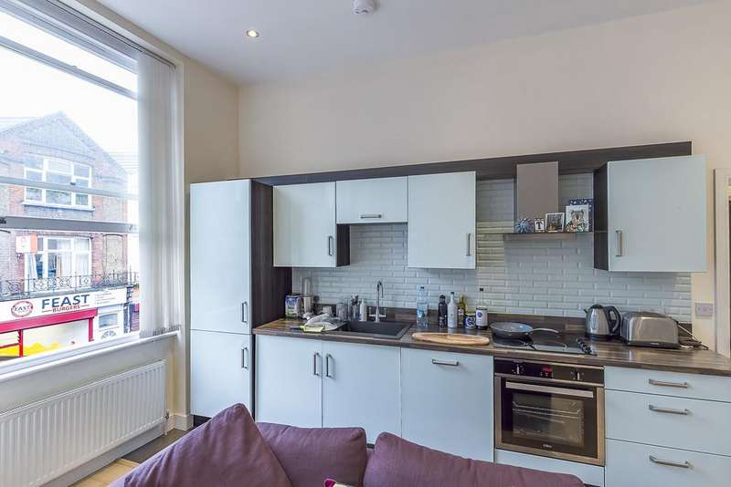 1 Bedroom Flat for sale in Grace Lodge, 181 Clarence Road, London
