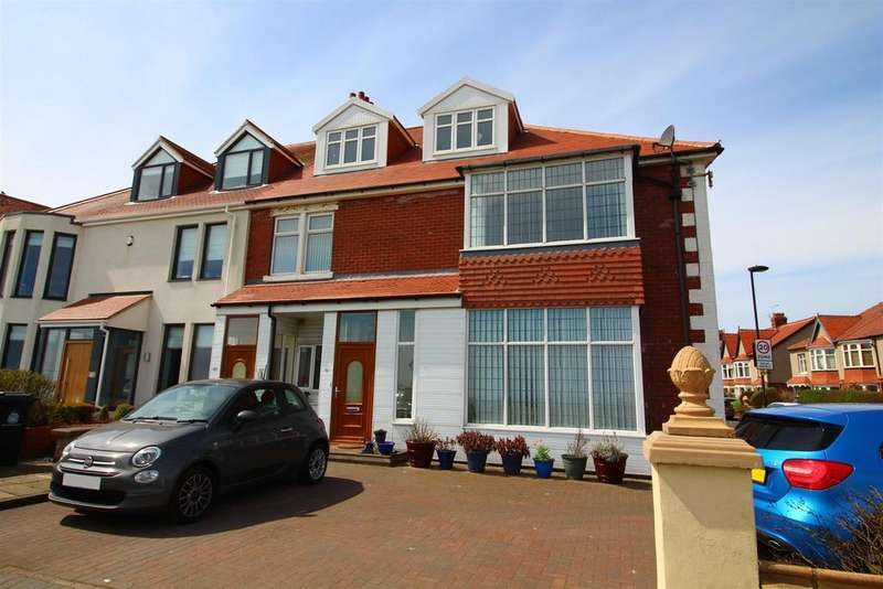 5 Bedrooms Semi Detached House for sale in The Links, Whitley Bay, Whitley Bay