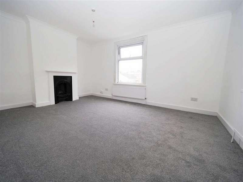 2 Bedrooms Terraced House for sale in Bloomfield Road, Woolwich, London, SE18