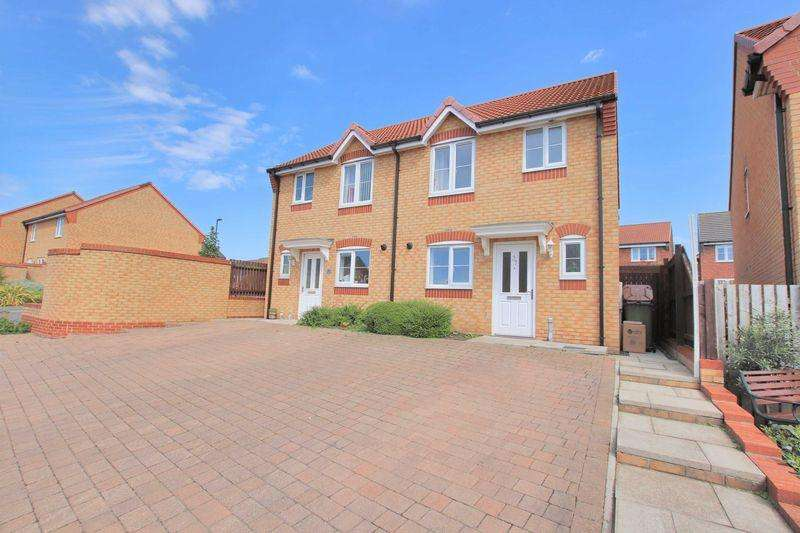 3 Bedrooms Semi Detached House for sale in Newbury Road, Brotton