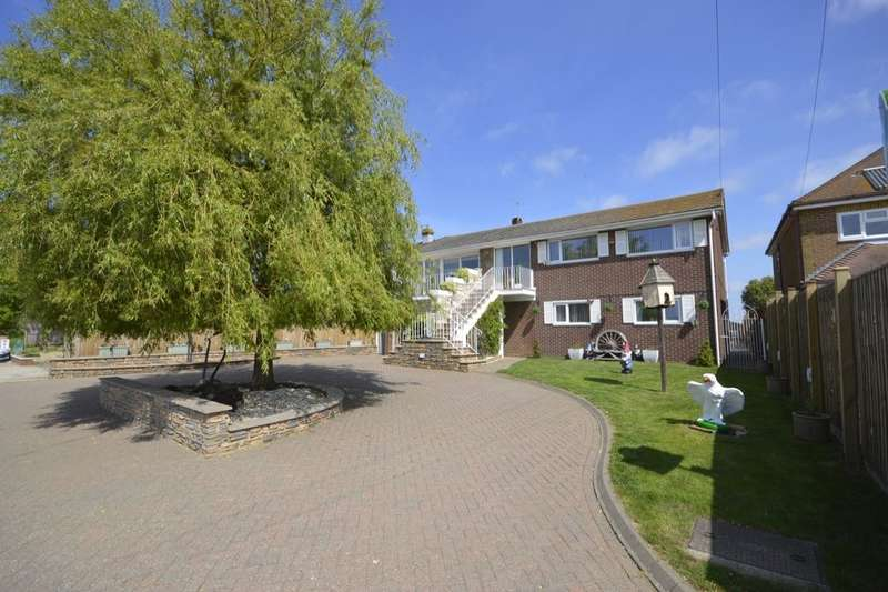 5 Bedrooms Detached House for sale in Christmas Lane, High Halstow, Rochester, ME3