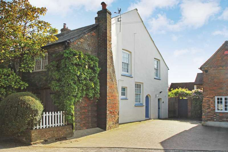 3 Bedrooms Semi Detached House for sale in Ivinghoe