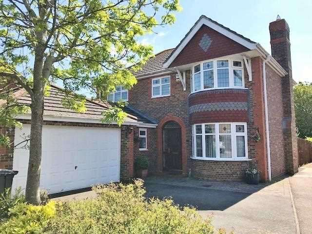 4 Bedrooms Detached House for sale in Mole Close, Stone Cross, Pevensey