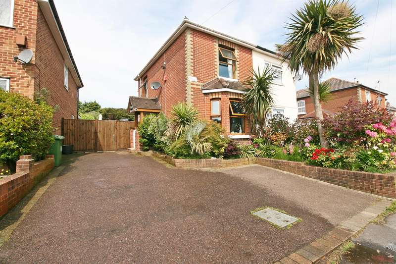 3 Bedrooms Semi Detached House for sale in Middle Road, Sholing, Southampton, SO19 8FT