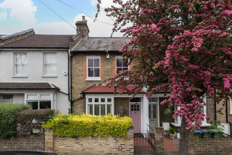 2 Bedrooms Terraced House for sale in Furzefield Road London SE3