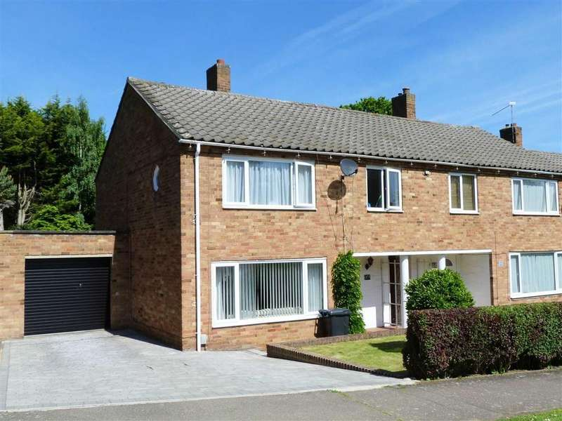 3 Bedrooms Semi Detached House for sale in Knightsfield, West Side, Welwyn Garden City