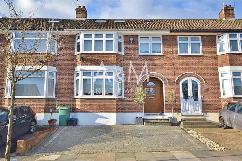 4 Bedrooms Terraced House for sale in Copthorne Avenue, Hainault