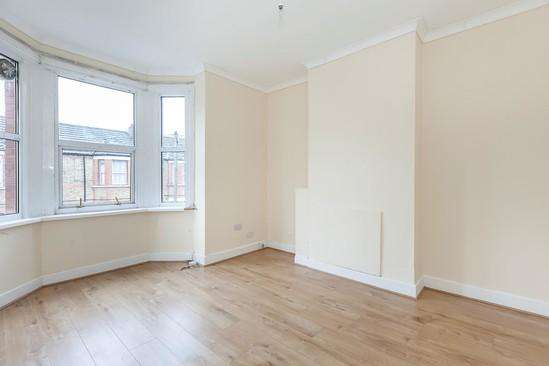 2 Bedrooms Terraced House for sale in Corporation Street, Stratford