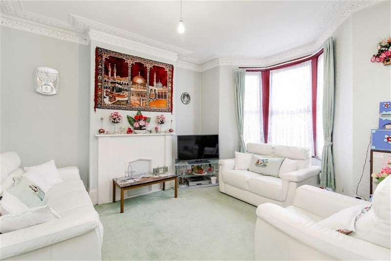 4 Bedrooms Terraced House for sale in Grove Green Road, Leytonstone, London