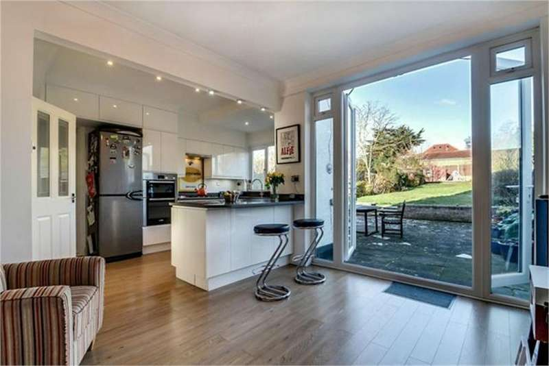 4 Bedrooms Semi Detached House for sale in Birchen Grove, London, NW9