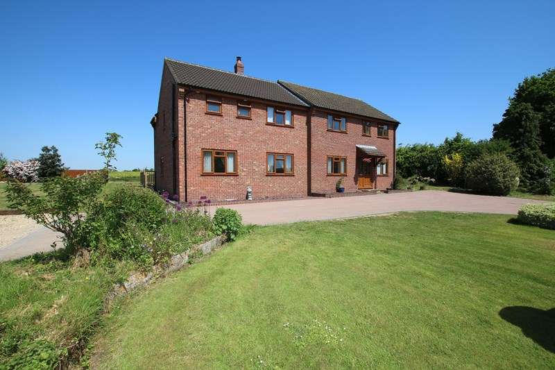 6 Bedrooms Detached House for sale in Fiddlers Green, Attleborough