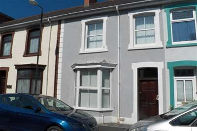 3 Bedrooms House for rent in New Street, Lampeter