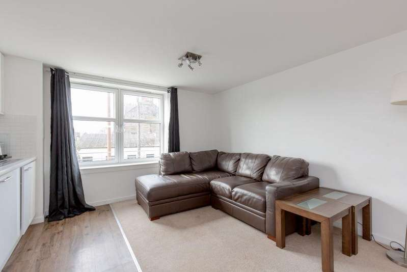 2 Bedrooms Flat for sale in 86/3 Main Street, Kirkliston, EH29 9AD