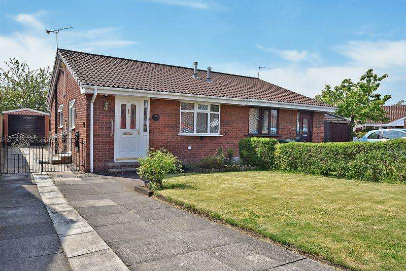 2 Bedrooms Bungalow for sale in Tiverton Close, Widnes