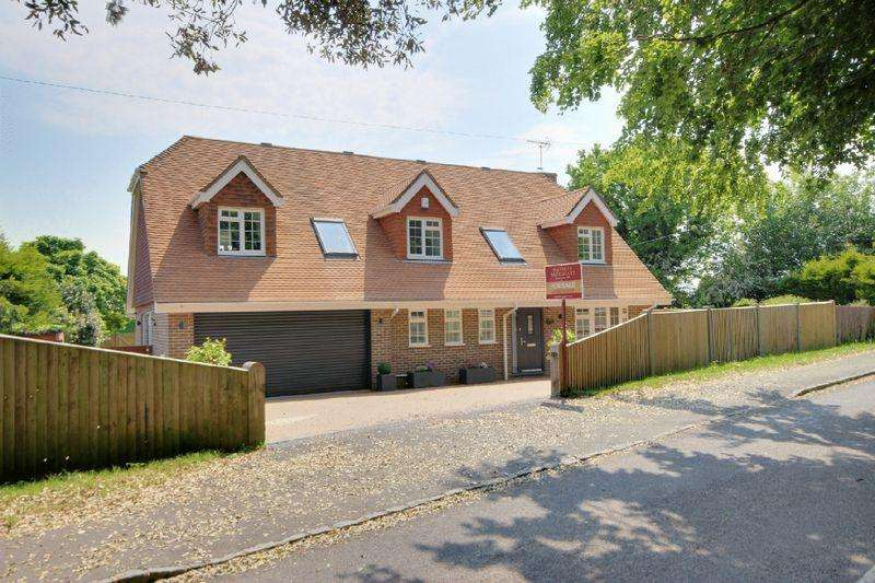 5 Bedrooms Detached House for sale in Allington Road, Newick