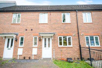3 Bedrooms Terraced House for sale in Riverside Drive, Lincoln, Lincolnshire, .