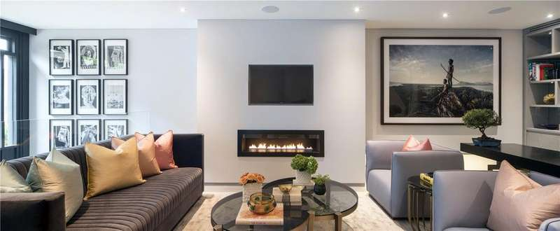 4 Bedrooms Mews House for sale in Hyde Park Gardens Mews, Bayswater, W2