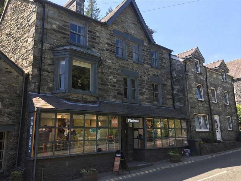 4 Bedrooms Terraced House for sale in Holyhead Road, Betws Y Coed, Conwy