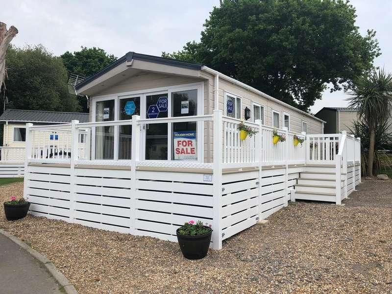 2 Bedrooms Park Home Mobile Home for sale in The Delta 'Cambridge' at Solent Breezes, Warsash
