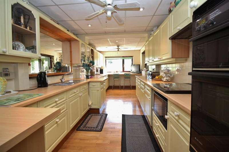 3 Bedrooms Detached House for sale in Woolwich Road, Belvedere