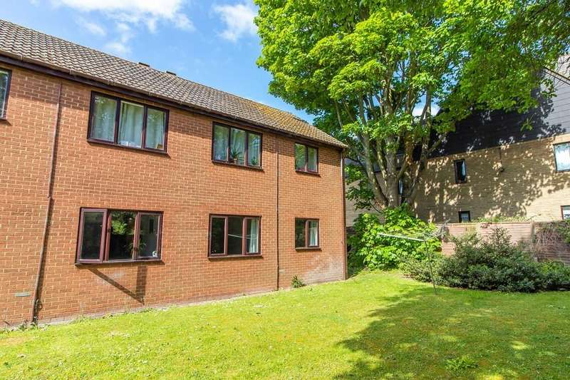 1 Bedroom Ground Flat for sale in Marfield Court, Arbury Road