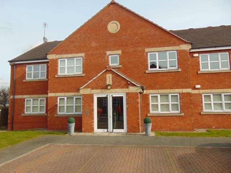 2 Bedrooms Apartment Flat for rent in Queens Hall, Queens Road, Morley, Leeds