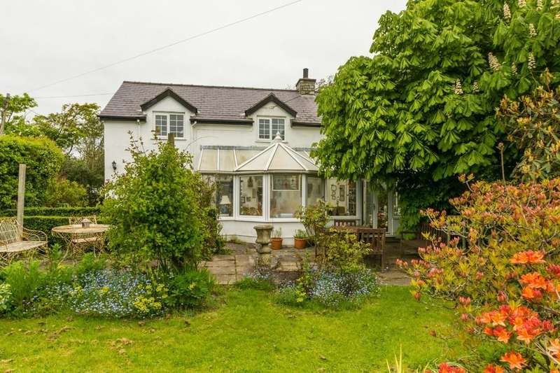 3 Bedrooms Farm House Character Property for sale in Trefor, Holyhead, North Wales