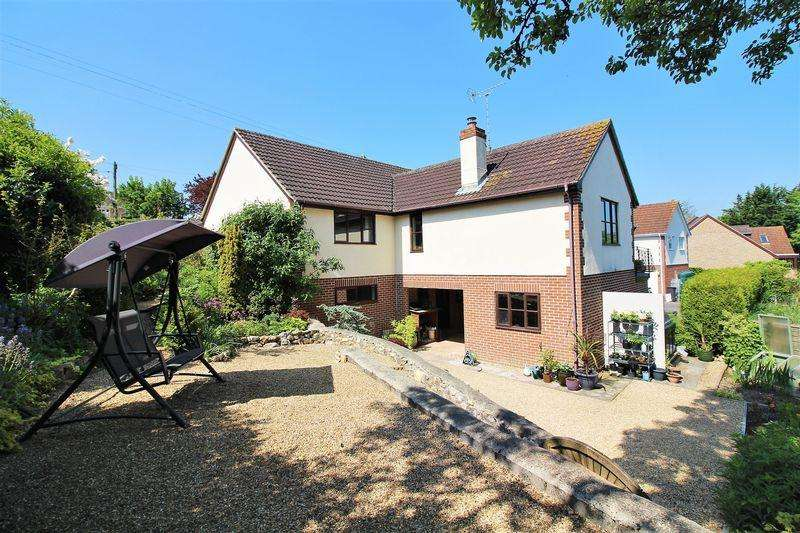 5 Bedrooms Detached House for sale in Wadeford, Chard