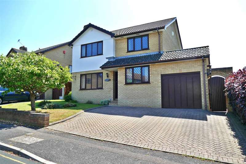 4 Bedrooms Detached House for sale in Laidlaw Close, Poole