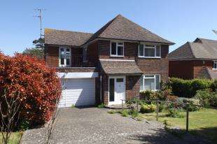 4 Bedrooms Detached House for sale in Upper Ratton Drive, Eastbourne, East Sussex