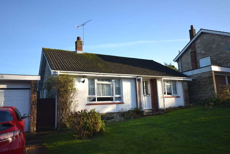 2 Bedrooms Detached Bungalow for rent in Marina Avenue, Ryde