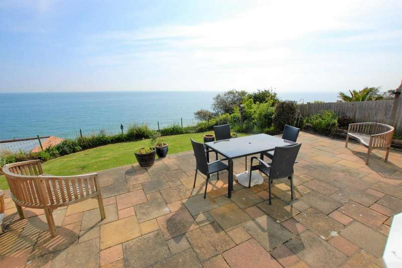 3 Bedrooms Detached House for sale in Radnor Cliff, Sandgate, CT20