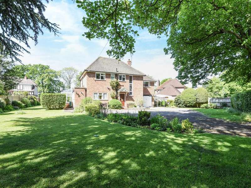 4 Bedrooms Detached House for sale in St. Barnabas Road, Emmer Green, Reading, RG4