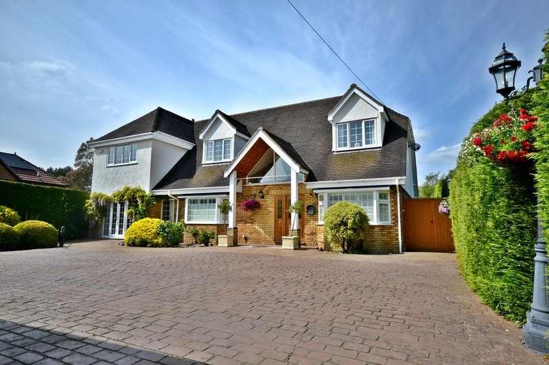 5 Bedrooms Detached House for sale in Walden Road, Sewards End
