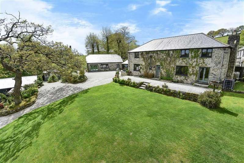 4 Bedrooms Detached House for sale in Trethowel, St Austell, Cornwall, PL25