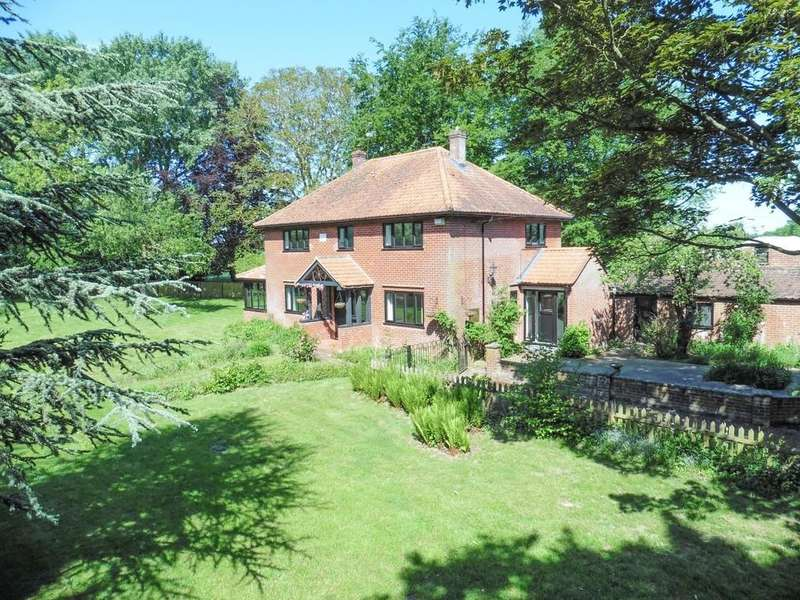 4 Bedrooms Detached House for sale in Norwich Road, Swaffham