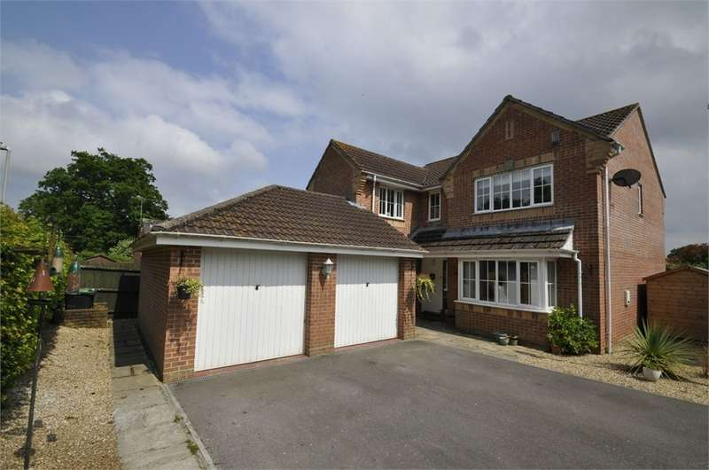 4 Bedrooms Detached House for sale in Eastworth Road, VERWOOD, Dorset