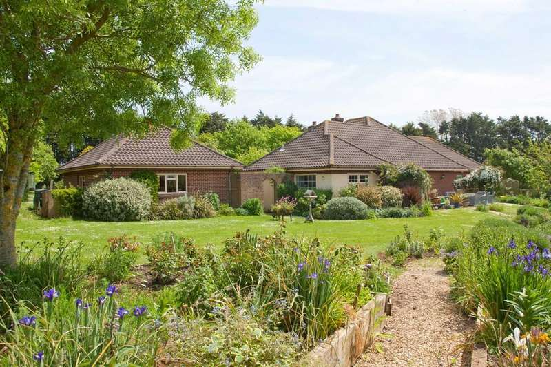 4 Bedrooms Detached Bungalow for sale in Shorwell, Isle of Wight