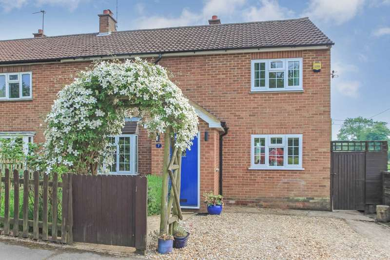 4 Bedrooms Semi Detached House for sale in Cholesbury