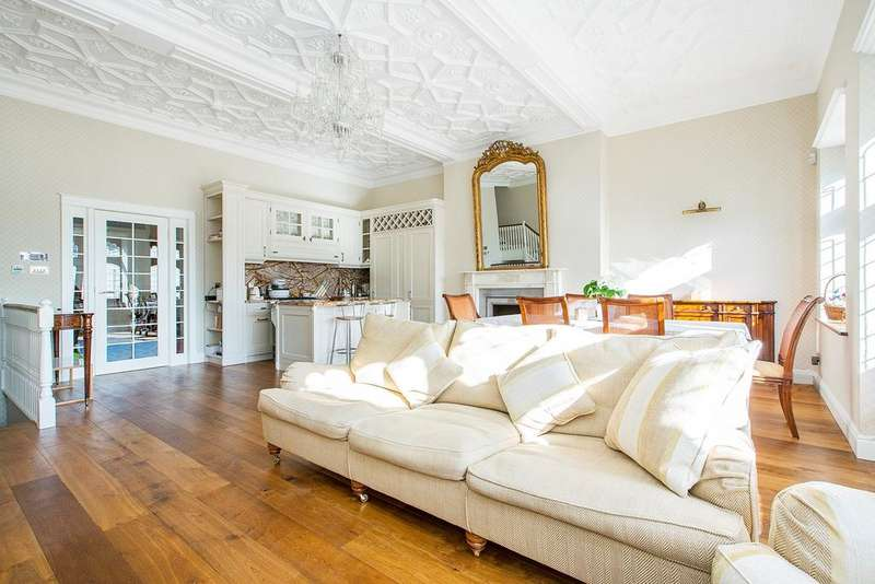 4 Bedrooms House for sale in Ennismore Gardens, London. SW7