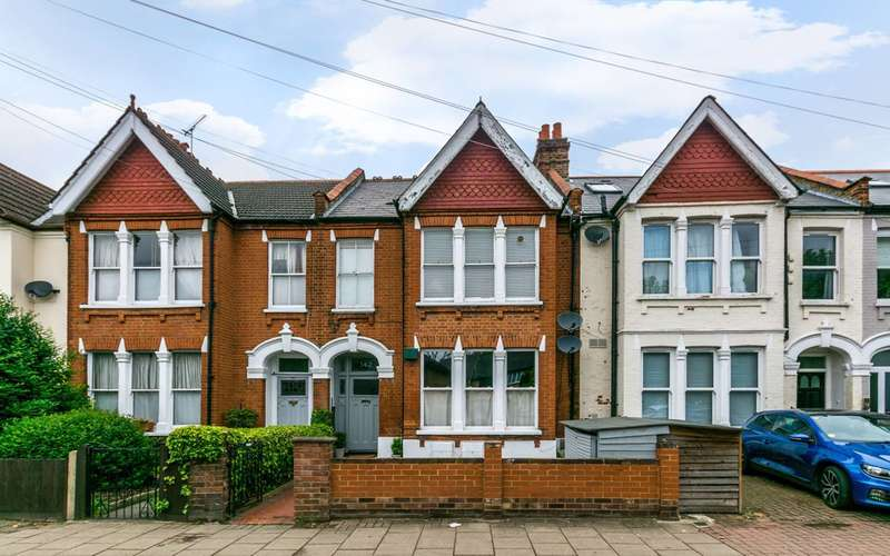 3 Bedrooms Flat for sale in Church Lane, Tooting, SW17